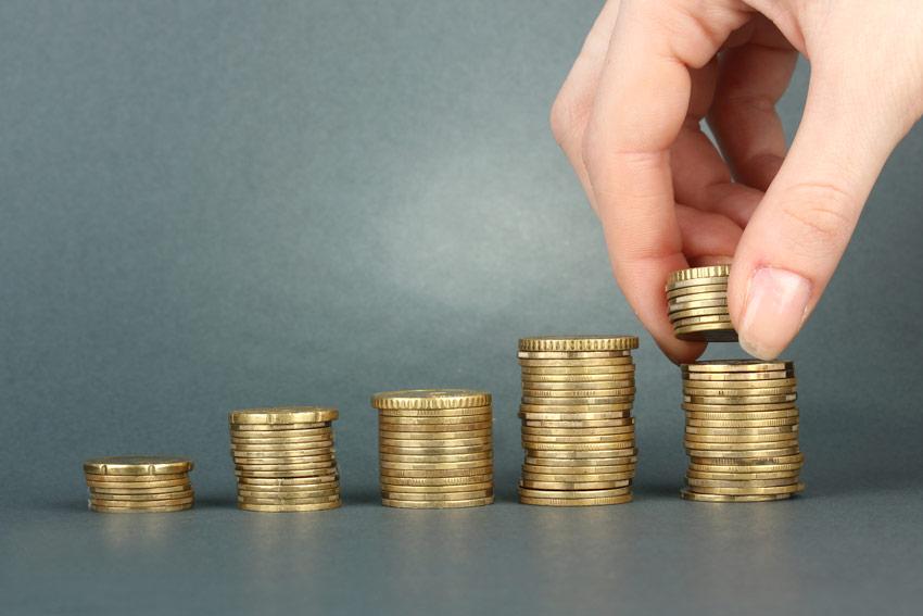 USD TUMBLES, Gold Soars: Top Crypto REVEALED!